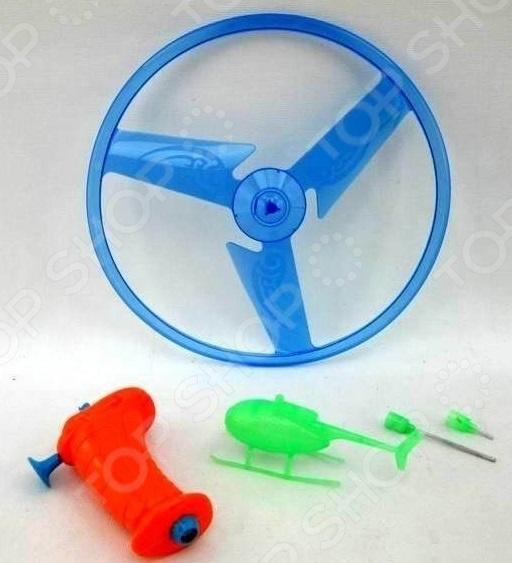 Игра детская «Вертолет с вертушкой»Другие игры и игрушки для улицы и активного отдыха<br>Игра детская Вертолет с вертушкой забавная игрушка, которая понравится не только детям, но и взрослым. Вертушка устанавливается на специальном пусковом устройстве, затем она начинает крутиться и взлетает. Механизм запуска совсем не сложный, зато он принесет вам море положительных эмоций. Лучшее место для игры с вертолетом открытое пространство, как например, игровая площадка и пляж. Игрушка выполнена из прочного и нетоксичного пластика, поэтому она абсолютно безопасна для здоровья.<br>