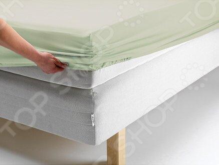 Простыня на резинке Ecotex «Поплин-Комфорт». Цвет: ментоловыйПростыни<br>Простыня на резинке Ecotex Поплин-Комфорт это простыня из поплина, которая обеспечит максимальный комфорт во время сна и поможет создать в спальне настоящий уют. Простыня изготовлена из высококачественного хлопка, что гарантирует здоровый и спокойный сон в любое время года, ведь этот материал обладает отличными дышащими , впитывающими и гигиеническими свойствами. Также простыня снабжена резинкой по всему периметру, поэтому отлично держится на матрасе и ее не надо часто поправлять. Главное это подобрать размер простыни под ваш матрас, в противном случае вам не избежать скатывания материала. Простыню легко гладить, но это не обязательно, ведь поверхность идеально ровная и гладкая даже после стирки.<br>