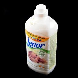 Купить Кондиционер для белья для чувствительной и детской кожи LENOR