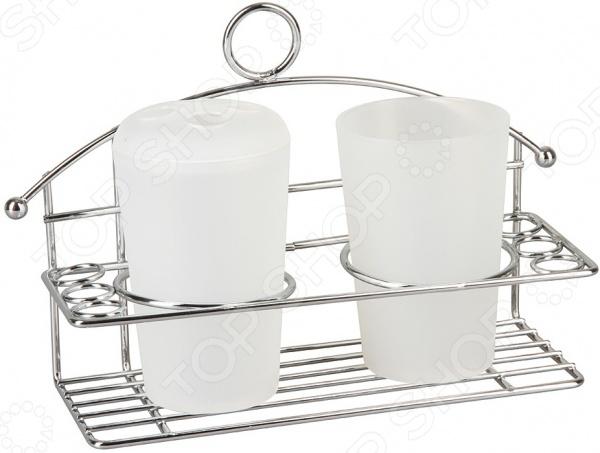 Подставка для стаканов Rosenberg JCH-229Держатели. Подставки. Органайзеры<br>Подставка для стаканов Rosenberg JCH-229 изготовлена из металла, представлена конструкцией со специальными отверстиями для стаканов. Две параллельно расположенные пластины позволяют удобно и надежно разместить емкости. В комплекте представлено два стакана и крышка с четырьмя отверстиями для размещения зубных щеток. В другой емкости можно расположить различные предметы личной гигиены, декоративную косметику, крема и пр. Имеется кольцо для подвеса подставки. Размер: подставка 24x8,5x15,5, стакан 7x10,5 см. Объем стакана 250 мл.<br>