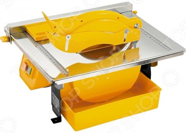 Плиткорез электрический Denzel TCD 180 C-1Плиткорезы<br>Плиткорез электрический Denzel TCD 180 C-1 инструмент, используемый для резки керамической плитки по углом от 0 до 45 градусов. Также он может применяться для разрезания мрамора, гранита и шифера. Прибор станет отличным дополнением к набору ваших инструментов и пригодится при проведении строительных и отделочных работ. Плиткорез выполнен из высокопрочных материалов, что обеспечивает высокий ресурс и долговечность использования. В приборе предусмотрена система водяного охлаждения лезвия режущего диска, что в значительной мере продлевает срок эксплуатации плиткореза.<br>