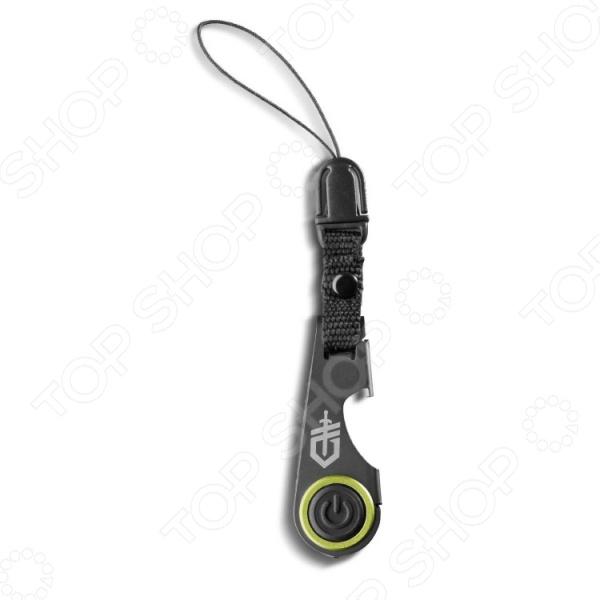 Мини-мультитул Gerber GDC Zip LightМультитулы<br>Мини-мультитул Gerber GDC Zip Light - легкий и удобный инструмент, который может пригодится каждому и в любой момент. Модель можно прикрепить к молнии на куртке или рюкзаке или в качестве брелка к связке ключей. Таким образом в любом месте и в любое время фонарик и открывалка будут у вас под рукой. Модель выполнена из качественных и безопасных материалов, на высокоточном оборудовании.<br>