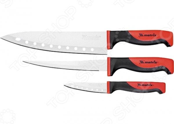 Набор ножей поварских MATRIX KITCHEN Silver Teflon 79148Ножи<br>Набор ножей поварских MATRIX KITCHEN Silver Teflon 79148 практичное и незаменимое приобретение для вашей кухни. В комплект входят 3 ножа: нож филейный 16 см , поварской нож 20 см и малый поварской нож 8 см . Теперь вы сможете без труда выполнять любой вид кухонных работ: нарезать или измельчать овощи или фрукты, разделывать и нарезать мясо, рыбу. Острые лезвия и удобные эргономичные ручки сделают работу с этими ножами ещё проще и приятнее. Лезвия выполнены из высококачественной стали, которая гарантирует долговечность и прекрасные эксплуатационные характеристики изделия. Улучшенное тефлоновое покрытие не влияет на вкус и аромат блюд, а технологические отверстия по длине лезвия значительно облегчают рез, исключают прилипание продуктов. Прочные и надежные ножи обладают стильным современным дизайном, который придется по душе даже самой требовательной хозяйке. Готовьте быстро и вкусно с набором ножей поварских MATRIX KITCHEN Silver Teflon 79148!<br>