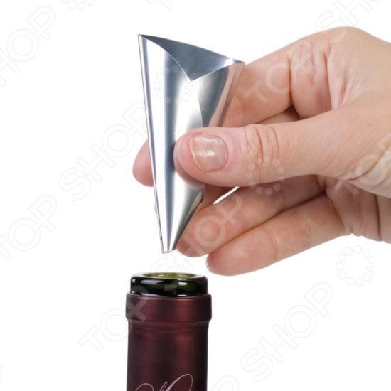 Воронка гибкая Tescoma Uno Vino предмет для переливки воды в сосуды. Это незаменимая вещь на кухне любой хозяйки. Выполнена из пластика, имеет форму конуса с трубкой в конце. Удобно использовать для переливания вина в сосуд с узким горлышком. Легко очищается под проточной водой.  Препятствует нежелательному капанию вина при сервировке.  Пригодна для всех стандартных типов винных бутылок.  Предназначено для многоразового использования.