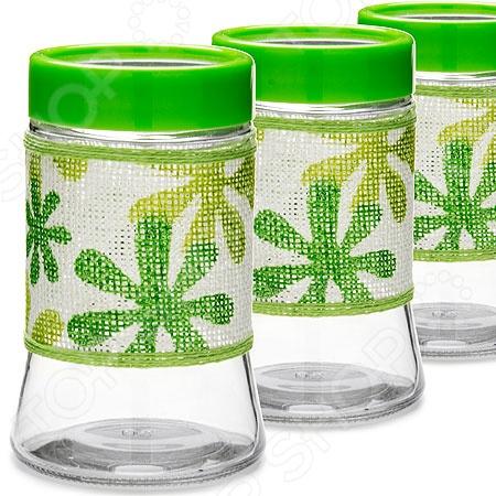 Набор для сыпучих продуктов Loraine LR-21616-1Банки для хранения<br>Набор для сыпучих продуктов Loraine LR-21616-1 представлен тремя емкостями, выполненными из высокопрочного стекла. Крышки изготовлены из пищевого пластика. Банки идеально подойдут для хранения круп и макаронных изделий, чая, кофе, сахара, муки, соли, специй, быстрых завтраков и пр. Благодаря плотной посадке крышек в банки не попадает влага и посторонние запахи, поэтому содержимое в течение длительного времени сохраняет свой превосходный аромат и вкусовые качества. Дополнение в виде ажурной тканевой вставки с цветками сделает эти емкости самым настоящим украшением кухонного интерьера, наполнит его гармоничностью, уютом и комфортом.<br>
