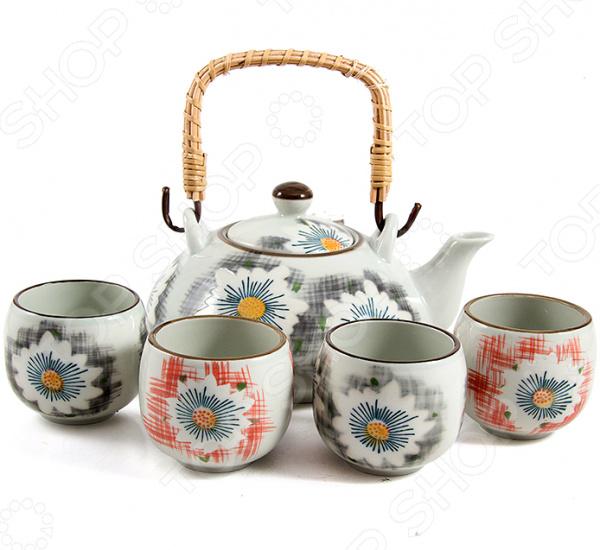 Набор для чайной церемонии «Нежность»Чайные и кофейные наборы<br>Набор для чайной церемонии Нежность изготовлен из высококачественной керамики и рассчитан на 4 персоны. Посуда из данного материала позволяет максимально сохранить полезные свойства и вкусовые качества воды. Заварите крепкий, ароматный чай в представленном наборе, и вы получите заряд бодрости, позитива и энергии на весь день! Классическая форма и использованная цветовая гамма изделий позволят наслаждаться любимым напитком в атмосфере еще большей гармонии, эмоциональной наполненности и добавят нотку романтичности. С набором для чайной церемонии Нежность , вы всегда будете наслаждаться вкусным, ароматным чаем со своими родными и близкими. Способ ухода: мыть тёплой водой с применением нейтральных моющих средств.<br>