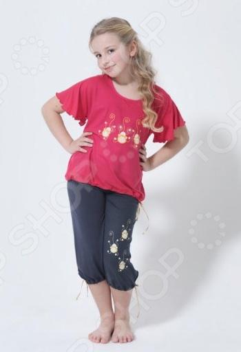 Комлект одежды для дома BlackSpade 5123. Цвет: коралловыйДетская одежда для дома и сна<br>Пижама для девочки BlackSpade 5123 с коротким рукавом станет неотъемлемой частью домашнего гардероба. Модель отличается стильным современным дизайном и великолепным качеством пошива. Модель имеет свободный крой, удобна и практична в носке, не стесняет движений.<br>