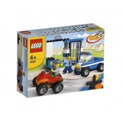фото Конструктор LEGO Строительный набор Полиция