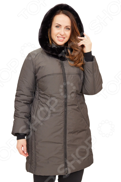Пальто D`imma «Берти». Цвет: какаоВерхняя одежда<br>Пальто D imma Берти сшито с учетом всех особенностей женской фигуры. Оно идеально подойдет для женщин любого возраста и комплекции. Однако вещь особенно хороша для пышных дам, поскольку продуманный дизайн изделия позволяет скрыть недостатки и подчеркнуть достоинства фигуры.  Крой свободный, рельефные строчки создают необычный рисунок и красиво подчеркивают линии фигуры, боковые карманы.  Универсальная длина выше колена.  Ветрозащитный клапан.  Вшивной рукав. Рукава дополнены трикотажными манжетами.  Необычный эффект создает мелкий абстрактный узор ткани.  Но основным элементом является роскошный воротник-капюшон, отделанный внутри искусственным мехом темного цвета. Благодаря застежке он может принимать различные формы.  На фото с брюками Уран . Пальто сшито из мягко ткани 20 нейлон, 80 полиэстер , наполнитель фабертек выдерживает до -30 градусов. Изделие очень практичное, легкое в уходе, водонепромокаемое, качественные лекала обеспечивают идеальную посадку на женской фигуре, а стеганая ткань имеет эффект пружины , подчеркивает достоинство и скрывает её недостатки. Уникальная модель, которую можно приобрести только на нашем телеканале!<br>