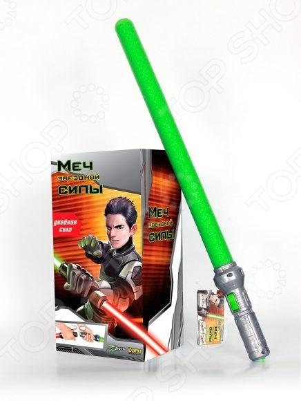 Оружие игрушечное Zuru «Меч Силы»Другое игрушечное оружие<br>Оружие игрушечное Zuru Меч Силы занимательная игрушка, которая придется по душу юным поклонникам именитой киносаги Звездные Войны . Световой меч имеет мягкое и безопасное лезвие. За счет светодиодной подсветки меч можно подсветить, что придает ему невероятную реалистичность. Лезвие выполнено из легкой вспененной резины, поэтому оно не сможет никому навредить во время азартного сражения. Меч Силы оснащен удобной рукояткой, которая легок помещается в детской руке. На ней расположена специальная кнопка, которая позволяет управлять подсветкой. Конструкция игрушки предусматривает возможность соединения 2 рукояток. Так можно получить единый боевой шест. Меч работает от 2 батареек типа ААА.<br>