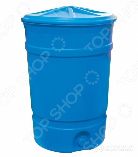 Бак-бочка Альтернатива М1625 полезная для хозяйства вещь, которая поможет хранить большое кол-во жидкости. Пищевая бочка выполнена из высококачественного пластика, поэтому подходит для хранения различных продуктов. Так, в неё можно набрать запах питьевой или технической воды. Бочка герметичная, с плотно закрывающейся крышкой, которая не даст содержимому вылиться. Дополнительные варианты для хранения: ГСМ, химические продукты, дизельное топливо, бензин, масло. Характеристики:  Высота 1000 мм.  Диаметр 700 мм.