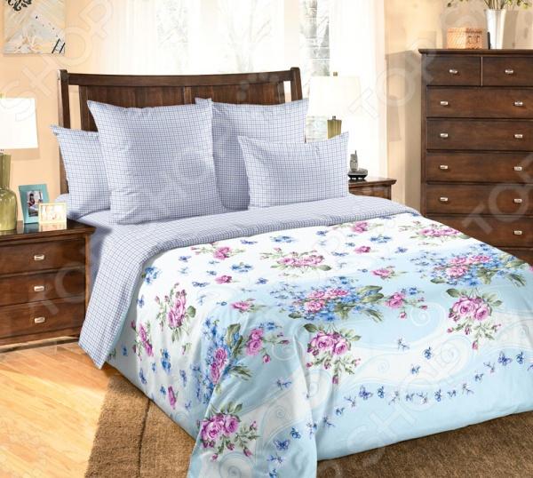 цена Комплект постельного белья Королевское Искушение с компаньоном «Фиалка». Цвет: голубой онлайн в 2017 году