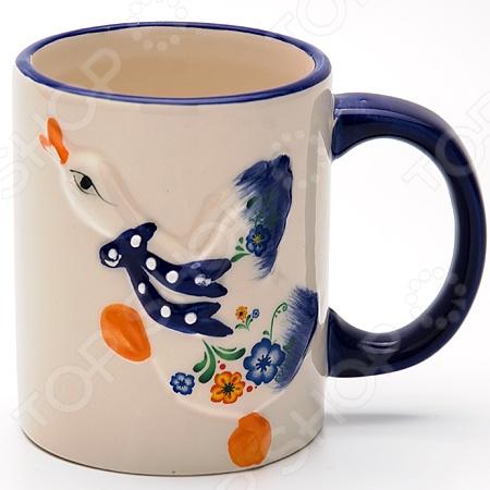 Кружка Loraine LR-21589Кружки. Чашки<br>Кружка Loraine LR-21589 изготовлена из высококачественного доломита разновидность керамики и украшена дизайнерским рисунком. Посуда из этого материала позволяет максимально сохранить полезные свойства и вкусовые качества воды. Заварите крепкий, ароматный кофе или чай в представленной модели, и вы получите заряд бодрости, позитива и энергии на весь день! Классическая форма и насыщенная цветовая гамма изделия позволят наслаждаться любимым напитком в атмосфере еще большей гармонии и эмоциональной наполненности. Объем кружки составляет 300 мл. Кружка Loraine LR-21589 является прекрасным подарком для ваших любимых, родных и близких.<br>