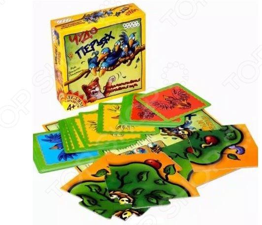 Игра карточная Hobby World «Чудо в перьях» 1344Карточные игры<br>Игра карточная Hobby World Чудо в перьях 1344 это озорная карточная игра для детей. Она рассчитана на 2-4 игроков и одна партия длится около 10 минут. В этой игре детям придется в прямом смысле забрасывать птиц на крону дерева. Игра будет интересна и детям, и их родителям. Победителем будет самый ловкий и меткий. В комплект входят:  игровое поле;  24 карты птиц;  правила игры.<br>