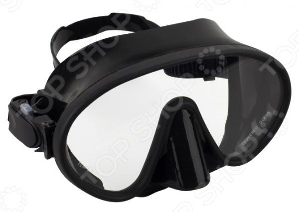 Маска плавательная WAVE M-1328Маски и трубки для плавания<br>Маска WAVE M-1328 предназначена для плавания и ныряния как в бассейне, так и в море. Представленная модель имеет широкий угол обзора, что максимально увеличивает периферическое зрение. Монолинза изготовлена из закаленного стекла. Благодаря тому, что ремешок регулируется, маску можно подогнать под необходимый размер.<br>