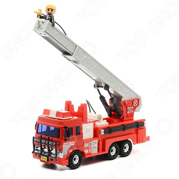Машинка игрушечная Daesung Пожарная машинаМашинки<br>Машинка игрушечная Daesung Пожарная машина - яркая, реалистичная, качественно смоделированная копия грузовика специального назначения, с инерционным механизмом. Отличная модель для игры как дома, так и на улице с друзьями. Подарите вашему малышу интересную и оригинальную игрушку, которая в свою очередь обеспечит массу удовольствия и веселья за игрой.<br>