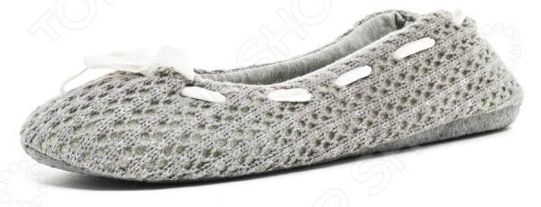 Тапочки-балетки Burlesco H35Женская домашняя обувь<br>Тапочки-балетки Burlesco H35 это практичная и удобная обувь для дома. Украшенная милым бантиком модель, прекрасно подойдет для ежедневной носки. Тапочки с закрытым мыском отличный выбор для холодного времени года. Балетки выполнены из 100 полиэстера. Данный материал отлично зарекомендовал себя в пошиве домашней обуви, благодаря прочности, долговечности и износостойкости.<br>