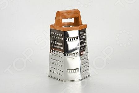 Терка Super Kristal SK-8861Терки. Шинковки<br>Терка Super Kristal SK-8861 - удобное и незаменимое приспособление на кухне любой современной хозяйки. Шестигранная терка выполнена из нержавеющей стали, которая отливается своей износостойкостью и долговечность. Удобная пластмассовая ручка позволяет придерживать терку во время использования, не давая ей скользить по поверхности. Грани с различными вариантами режущих поверхностей позволяют натереть продукты соломкой разной величины и вида.<br>