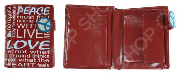 Портмоне 240116Кошельки. Портмоне<br>Портмоне 240116 это стильный бумажник, который выполнен из практичной искусственной кожи. Вы можете закинуть бумажник в карман с ключами или в сумку, а когда в следующий раз достанете, то не заметите на поверхности никаких следов! Естественно не следует ронять портмоне в воду, но если это произойдёт, то после просушки материал вернёт свой первозданный вид. Если вы часто сталкиваетесь с тем, что вам некуда положить очередную скидочную карту, то этот бумажник решит эту проблему, ведь у него предусмотрены специальные кармашки для карт и визиток. Приобретите этот аксессуар и вы забудете о переживаниях из-за броского материала или нехватки места в портмоне. Представленный аксессуар может стать удачным подарком для любого человека, даже если вы собираетесь на праздник к малознакомому человеку, то он точно порадуется этому оригинальному портмоне!<br>