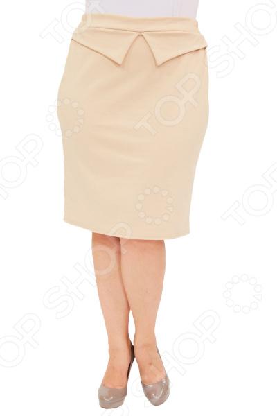 Юбка Матекс «Трина». Цвет: бежевыйЮбки<br>Юбка Laura Amatti Трина создана с учетом всех особенностей женской фигуры, чтобы вы могли легко создать неповторимый, элегантный женственный образ. Это уникальная модель, которую можно сочетать со многими вещами в вашем гардеробе. Особенности юбки Laura Amatti Трина :  Длина до колена.  Пояс на широкой резинке, не ограничивает движений;  Материал не мнется, не скатывается и не линяет.  Перед изделия украшен декоративным элементом.  На фото представлена с блузой Тутси  Юбка выполнена из лёгкого и приятного к телу материала 65 вискоза, 30 полиэстер, 5 лайкра . Полиэстер очень быстро высыхает после стирки и не мнется. Даже после длительных стирок и использования эта юбка будет выглядеть идеально.<br>