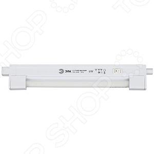 Светильник люминесцентный Эра L1-T4G5 идеальное решение для вашего дома. Данная модель может использоваться не только для общего освещения, но и для подсветки отдельных частей и элементов интерьера. С помощью компактного светильника вы сможете правильно расставить акценты и слегка изменить дизайн всего помещения. С ним у вас есть возможность отдельно подсветить шкаф на кухне, полки или некоторые элементы подвесного потолка, тем самым создать дополнительный объем или расширить пространство. Светильник имеет встроенный электронный балласт, который обеспечивает мгновенное включение, бесшумную работу и впечатляющий срок службы. Другие преимущества данной модели:  стильный и лаконичный дизайн;  возможность вертикальной и горизонтальной установки;  включенный в комплект крепеж для монтажа;  подробная инструкция с понятной схемой сборки и монтажа.
