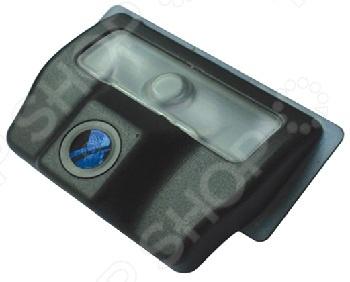 Камера заднего вида ParkCity PC-9517C это отличный выбор как для начинающих автомобилистов, так и для опытных водителей. Многие автолюбители уже успели по достоинству оценить всю практичность и удобство использования подобных устройств. Камера предназначена для безопасной парковки и движения машины задним ходом, что особенно актуально в непогоду и темное время суток. Модель совместима с автомобилями NISSAN Teana, Bluebird, Tiida sedan Asian . Угол обзора устройства составляет 170 градусов, рабочий температурный диапазон от -40 C до 70 C.