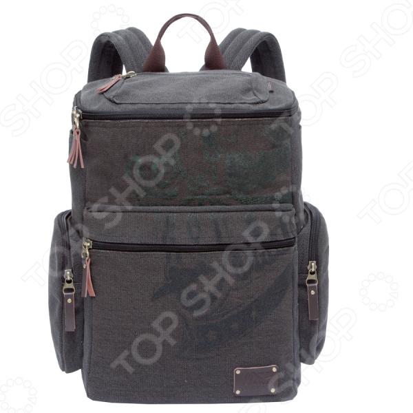 Стильный предмет для универсального использования Рюкзак молодежный Grizzly RU-702-1 это современный рюкзак для хранения подручных вещей и принадлежностей, заменяя привычные сумки и портфели. Такой рюкзак непременно станет частью вашего стильного образа, модным аксессуаром и полезным предметом. Его носят школьники, студенты, взрослые люди, которым нужно переносить необходимые вещи по работе, а также спортсмены, для того, чтобы складывать форму и некоторое снаряжение для тренировок. В общем и целом, этот рюкзак покрывает довольно широкий спектр для его применения.  Компактное хранение множества вещей, которые иногда не помещаются в куртку или брюки, легко можно расположить в рюкзак бренда Grizzly. Этот рюкзак имеет одно вместительное отделение, куда можно без труда сложить тетради, блокноты, журналы и другие вещи. Есть отделение для хранения ноутбука и планшета. Предусмотрен клапан на молнии с карманом на молнии, объемный карман на молнии на передней стенке, 2 боковых кармана, 2 объемных боковых кармана на молнии, внутренний составной пенал-органайзер. Несколько особенностей рюкзака:  Укрепленная спинка.  Внутренний укрепленный карман для ноутбука.  Карман быстрого доступа на задней стенке.  Дополнительная ручка-петля.  Укрепленные лямки.  Сам рюкзак сделан прочного материала брезента, который отличается своей плотностью, прекрасной устойчивостью к истиранию и воздействию атмосферных изменений. Спинка рюкзака обеспечивает надежное прилегание к телу. А лямки позволяют равномерно распределить нагрузку на спину. Так носить рюкзак станет намного удобнее, а спина и плечи не пострадают от лишней нагрузки. Уход: Рекомендуется протирание мыльным раствором при температуре не выше 30 С.