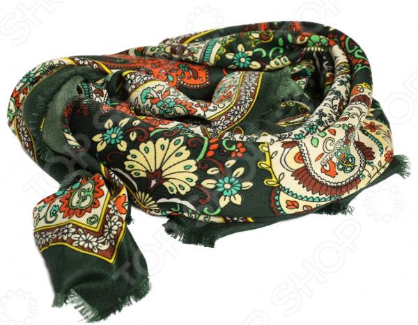 Платок Laura Milano Цвет весны аксессуар, который идеально дополнит ваш гардероб, поскольку хорошо сочетается практически с любыми нарядами. Вещь прекрасно смотрится и с повседневной одеждой, и с нарядами для торжественных случаев.  Теплый, нежный, шерстяной платок.  Платок из шерсти с добавлением модала во избежание катышек.  Платок из шерсти для ношения прохладной и холодной погоде.  Универсальный большой размер. Изделия из шерсти хорошо поглощают влагу, требуют особо деликатной стирки при температуре 30-40 градусов.
