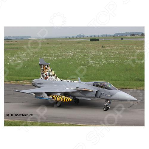 Сборная модель истребителя Revell Сааб JAS 39 «Грипен»,