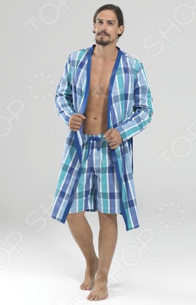 Халат BlackSpade 7349. Цвет: голубой, бирюзовый великолепный вариант для современных мужчин, предпочитающих комфорт, красоту и удобство во всем. Легкий халат с длинными рукавами имеет свободный покрой, который не сковывает движение и дарит чувство абсолютного комфорта. Халат выполнен из качественного хлопкового материала и обладает отличной воздухопроницаемостью и гигроскопичностью, поэтому отлично подойдет для повседневной носки. Прочный натуральный материала также может похвастаться приятными прикосновениями, которые не будут раздражать даже самую чувствительную кожу. Классический, но в тоже время современный дизайн делает халат не только комфортным, но и очень красивым. Эта практичная модель позволит вам выглядеть ярко и привлекательно, даже если вы находитесь дома!