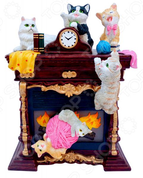 Музыкальная шкатулка Crystal Deco «Камин с котятами»