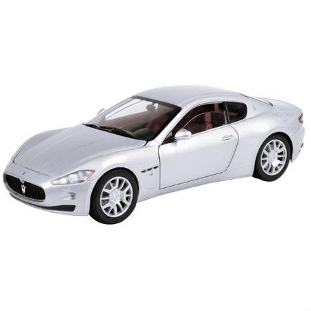Модель автомобиля 1:24 Motormax Maserati Gran Turismo. В ассортименте