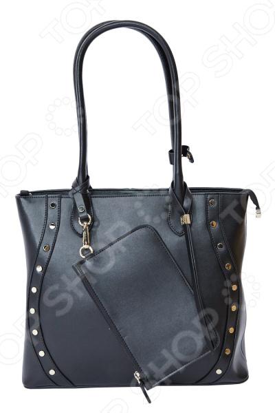 Сумка Galaday Малика это стильная и легкая сумка, которая сделана из кожи. Сумка достаточно вместительная, вы можете положить в нее всё необходимое. В любой момент вы будете выглядеть модно и элегантно.  Сумка декорирована маленьким кошелечком и декоративным ремешком из кожи.  На задней стенке сумки расположен небольшой карман, закрывающийся на молнию.  Внутри: два отделения, разделенные карманом на молнии.  Внутри на боковых стенках расположены: один карман на молнии и два открытых кармашка для мелочей.  Подкладка черного цвета с фирменным логотипом GALADAY.  Сумка закрывается на пластиковую молнию.  Размеры сумки вмещают формат А4.  Высота ручек позволяет носить сумку на плече.  В комплектацию входит фирменный текстильный мешок  На дне сумки расположены металлические ножки, защищающие её от механических повреждений.  Длина 34 см, ширина -12 см, высота -28 см, высота с ручками 54 см. Сумка сделана из натуральной кожи. Рекомендуется уход специальными средствами, предназначенными для данного вида кожи.