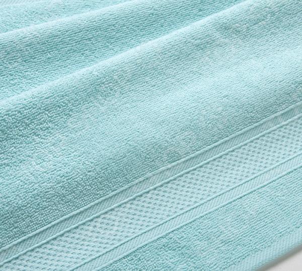 Полотенце махровое Uztex с бордюром. Цвет: светло-голубой