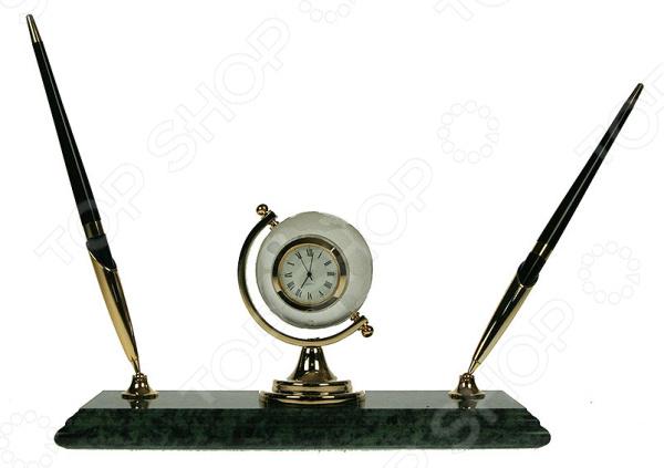Письменный прибор Глобус 147009 классическая подставка, которая поможет оформить рабочий стол в кабинете. Имеет разделы, в которые легко умещаются необходимые письменные принадлежности. Сделан из прочных и долговечных материалов, отличающиеся красивым внешним видом. Кроме того, эта вещь может стать отличным подарком дорогому человеку или коллеге. Рекомендуется регулярно удалять пыль сухой, мягкой тканью.