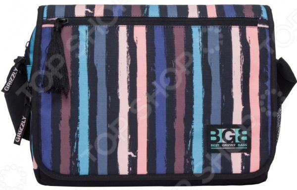 Сумка молодежная Grizzly MD-855-6 Полосы самый популярный в этом сезоне аксессуар, который кроме практической ценности поможет добавить изюминку в ваш стиль. Эта модная вещь подойдет для учебы, прогулок и поездок.  Функциональные особенности:  1 отделение;  клапан на липучках с карманом на молнии;  объемный передний карман на молнии;  внутренний карман для ноутбука планшета;  внутренний карман на молнии;  регулируемый плечевой ремень;  брелок-игрушка.