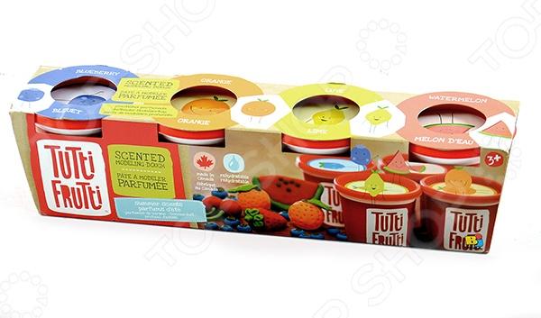 Набор массы для лепки Bojeux Tutti-Frutti 151 прекрасно подойдет для детского творчества. Такие занятия способствуют развитию у малышей воображения, пространственного мышления, мелкой моторики рук и восприятия форм и цветов. В качестве рабочего материала для создания поделок используется пластичное тесто, предназначенное для моделирования и лепки различных изделий. Оно абсолютно безвредно для здоровья детей, состоит исключительно из натуральных компонентов муки, соли и воды с добавлением пищевых красителей и ароматизаторов. В набор входят четыре баночки с ароматизированным тестом массой 128 грамм каждая.