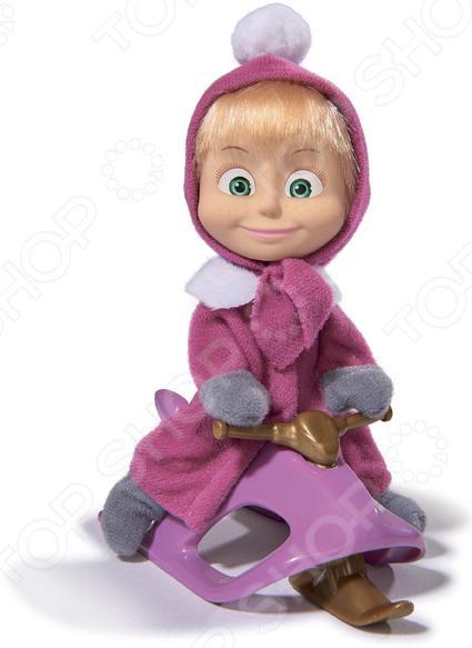 Кукла с аксессуарами Simba «Маша в зимней одежде со снегокатом»