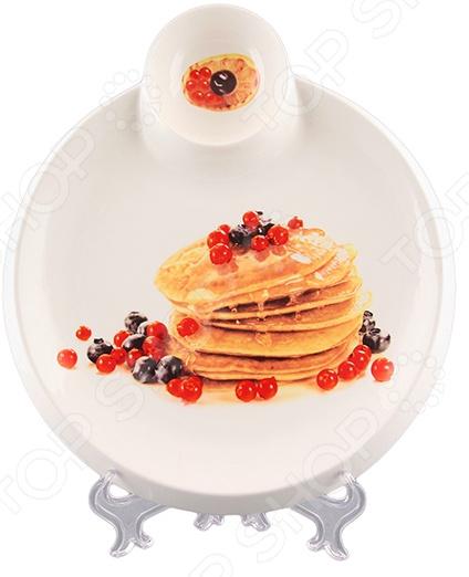 Тарелка сервировочная для блинов Elan Gallery с соусником «Блины с ягодами» Elan Gallery - артикул: 1304572