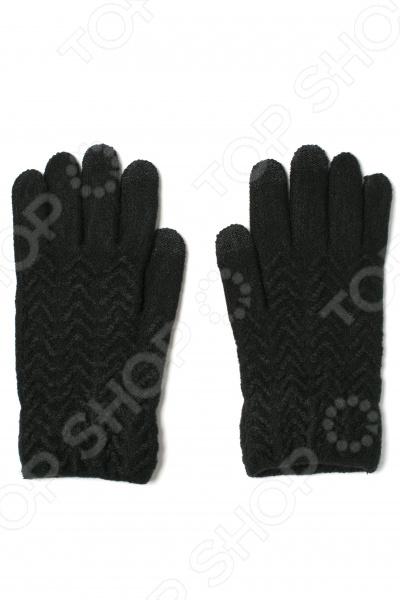 Перчатки сенсорные Mitya Veselkov с узором не просто красивый и теплый аксессуар, но и практичный элемент гардероба. Благодаря этой модели вам больше не придется снимать перчатки на морозе, чтобы позвонить другу или ответить на СМС. Они созданы специально для любителей тыкать пальцами в сенсорные экраны своих гаджетов в морозное время!  Кончики трех пальцев обладают специальными накладками.  Перчатки декорированы оригинальным волнистым узором.  Эластичные манжеты не сдавливают запястье и не доставляют неудобств при ношении. С помощью этих перчаток зимой у вас станет на одну проблему меньше!