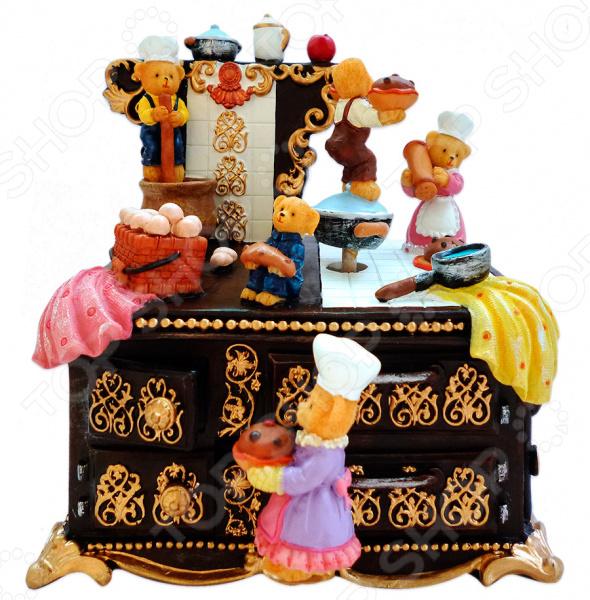 Музыкальная шкатулка Crystal Deco «Мишки поварята»