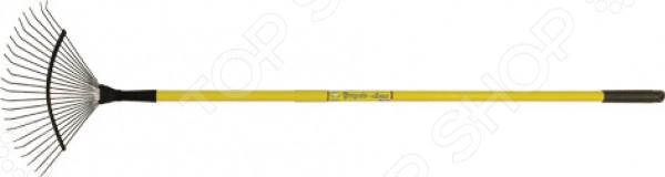 Грабли веерные РОС 76945 самый востребованный и незаменимый инструмент любого человека, который имеет отношение к садоводству или огородничеству. Этот инструмент используется как для уборки листьев с газона, так и для выпалывания сорняков. Грабли были и остаются универсальным предметом для поддержания чистоты во дворе или саду. Модель РОС 76945 является уборочной, также ее называют веерными граблями. Конструкция состоит из проволочной конструкции, надежно скрепляющей 22 длинных зубца. Стальной веер крепится к металлизированному черенку желтого цвета. Грабли легкие и прочные, а ручку удобно держать в руках. Эти грабли, обычно, используют для уборки площадей от мусора, сухих листьев и травы.