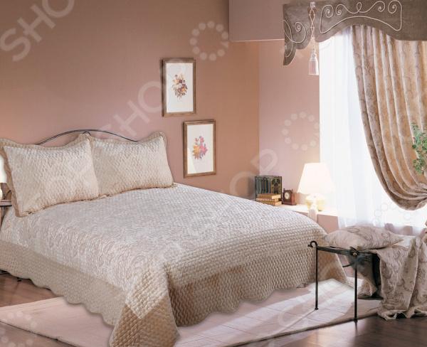 Комплект для спальни: покрывало и наволочки Amore Mio Valensia для спальни