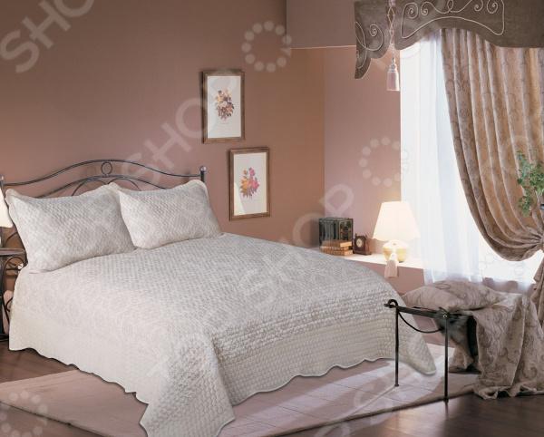 Комплект для спальни: покрывало и наволочки Amore Mio Damask для спальни