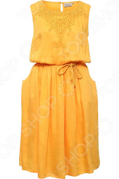 Платье Finn Flare S16-12038