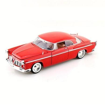 Модель автомобиля 1:24 Motormax Chrysler C300 1955. В ассортименте