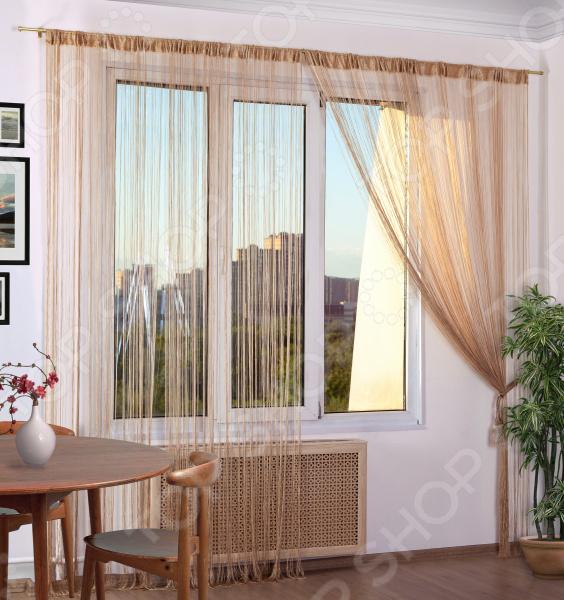 Домашний текстиль, в частности, шторы и гардины важная составляющая любого интерьера, ведь именно они делают помещение более уютным. Но как и любой другой элемент декора, шторы способны как подчеркнуть положительные стороны выбранного стиля интерьера, так и нарушить сложившуюся стилистическую и визуальную гармонию в вашем доме. С умом подобранные шторы способны преобразить вашу комнату, сделать её более светлой или уединенной, яркой или более спокойной, визуально больше или уютней.  Обновить интерьер теперь просто Штора нитяная Алтекс однотонная. Цвет: бежевый это идеальный вариант для вашей гостиной, спальни, гостевой. Прочная, но легкая кисея не только стильно оформит оконное пространство, но и позволит правильно расставить акценты в интерьере, скрыть небольшие недостатки в отделке. Такую штору можно как вешать на окна, так и разделять пространство в комнате. Особенность этой модели заключается в лаконичном дизайне и приятной цветовой гамме. Такая штора одинаково понравится ценителям классики и тем, кто следит за модными тенденциями!  Главная особенность и достоинство этой шторы заключается во внешнем виде. Нитяной дизайн и структура обладают рядом достоинств  сохраняет свой первоначальный внешний вид после многочисленных стирок, не линяя и не теряя насыщенность, яркость цветов;  не накапливает статического электричества;  приятный перелив нитей по всей длине смотрится элегантно и эстетично;  шторы легко обрезаются по длине ножницами. Для большей защиты от проникающего света в комнату рекомендуется навешивать несколько штук на один карниз. Благодаря своей структуре, шторы выглядят как одно целое. Кроме того, существует большое количество вариантов подхвата. При необходимости можно пришить тесьму.