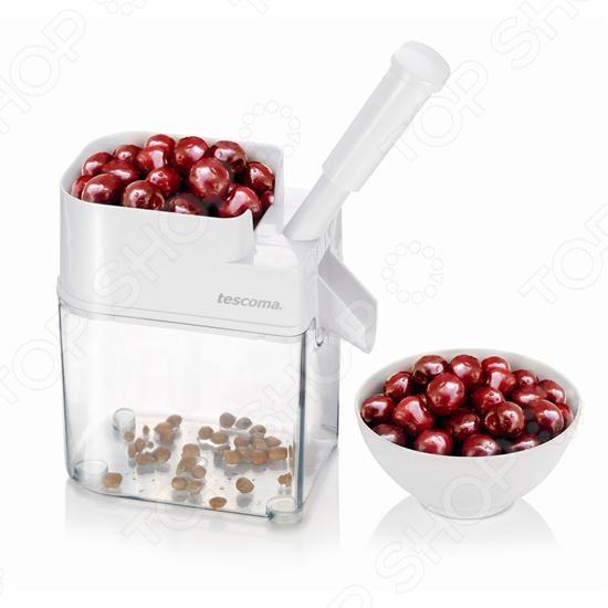 Удалитель косточек черешни Tescoma Handy - удобная и практичная модель станет отличным дополнением к комплекту вашей кухонных принадлежностей. Модель предназначена для быстрого и простого удаления косточек из свежей, мороженной или консервированной черешни или вишни. С таким приспособлением вы сможете наслаждаться вкусом ягод ежедневно, а так же быстро очистить ягоды для приготовления пирога или для украшения торта. Основные характеристики:  при очищении мякоть не повреждается;  шип удалителя выполнен из высококачественной стали;  контейнер и насадка выполнены из прочной пластмассы и силикона;  дно оснащено противоскользящей обработкой, что обеспечивает дополнительное удобство при использовании;  допускается мытье в посудомоечной машине.