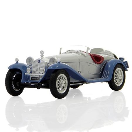 Купить Модель автомобиля 1:18 Bburago Alfa Romeo 8C 2300 Spider Touring