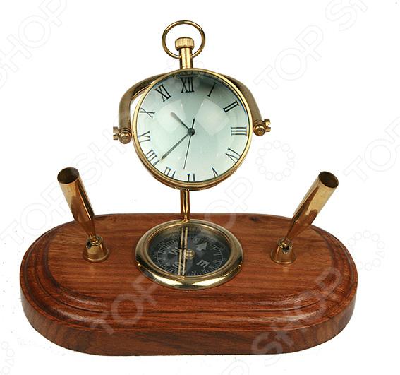 Письменный прибор Морской настольная подставка, которая поможет оформить рабочий стол в кабинете. Прибор имеет встроенные часы и разделы, в которых легко умещаются все необходимые письменные принадлежности. Сделан из прочных и долговечных материалов, отличающиеся красивым внешним видом. Кроме того, эта вещь может стать отличным подарком дорогому человеку или коллеге. Рекомендуется регулярно удалять пыль сухой, мягкой тканью.